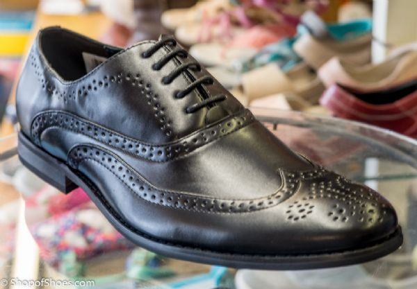 Mens leather lined great value Brogue in black